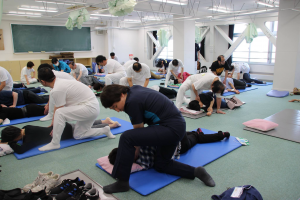 classe de shiatsu au Japon